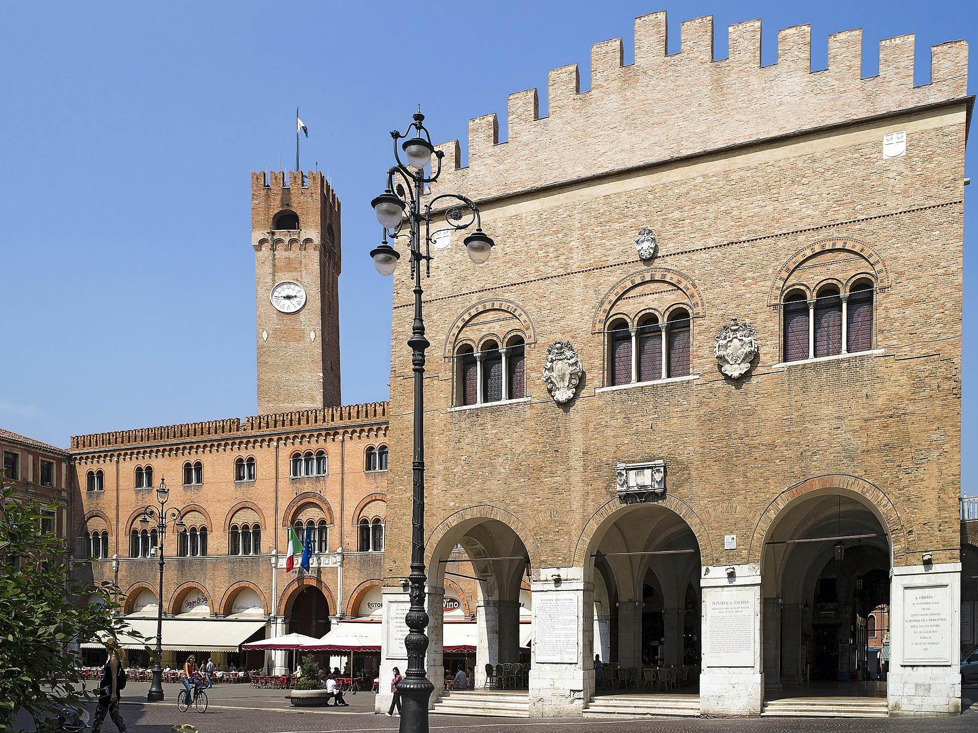 Piazza dei Signori e Palazzo dei Trecento, Treviso, Tour Treviso Urbs Picta, la città dipinta